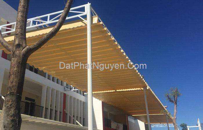 Khi lắp đặt bạt mái xếp ngoài trời phải đảm bảo an toàn